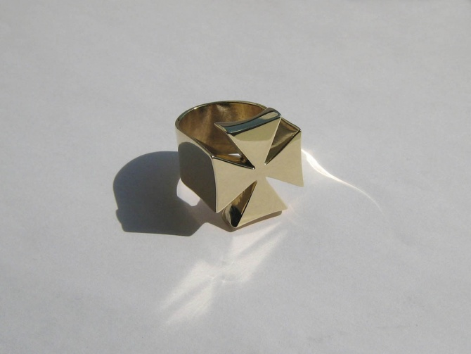 Křížový prsten - 1. foto
