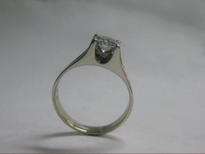 luxusní prsten s briliantem - 3. foto