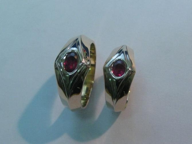 Snubní prsteny s rubíny - 3. foto